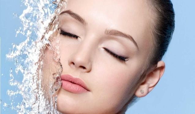 Інтенсивне зволоження шкіри (ін'єкції гіалуронової кислоти)
